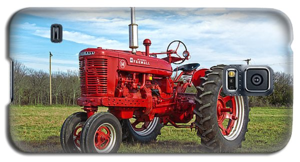 Restored Farmall Tractor Galaxy S5 Case by Charles Beeler