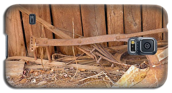 Galaxy S5 Case featuring the photograph Retired Tools by Nick Kirby
