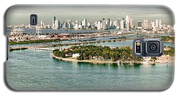Retro Style Miami Skyline And Biscayne Bay Galaxy S5 Case