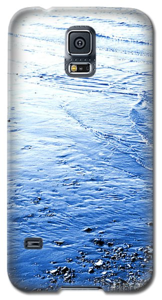 Galaxy S5 Case featuring the photograph River Blue by Robyn King