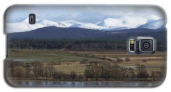 River Spey And Cairngorm Mountains Galaxy S5 Case by Phil Banks