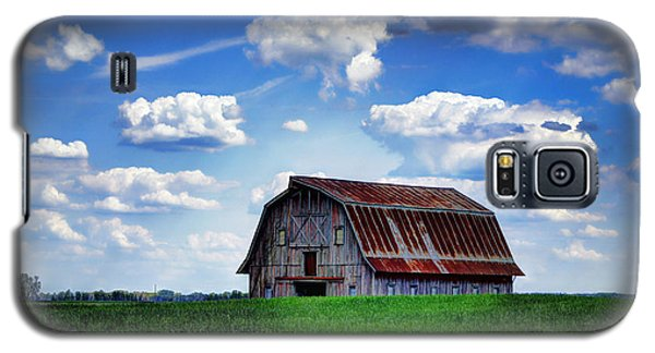 Riverbottom Barn Against The Sky Galaxy S5 Case