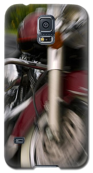 Galaxy S5 Case featuring the photograph Road King by Timothy McIntyre