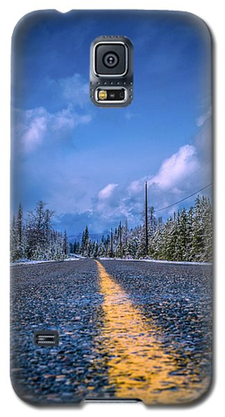 Galaxy S5 Case featuring the photograph Road To Home by Rob Tullis