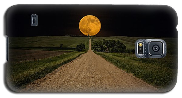 The Sky Galaxy S5 Case - Road To Nowhere - Supermoon by Aaron J Groen