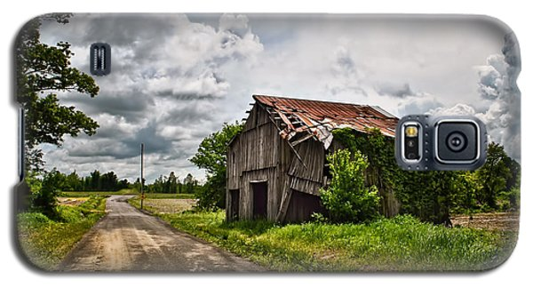 Roadside Barn Galaxy S5 Case by Greg Jackson