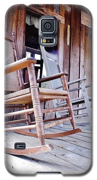 Rocking On The Front Porch Galaxy S5 Case by D Hackett