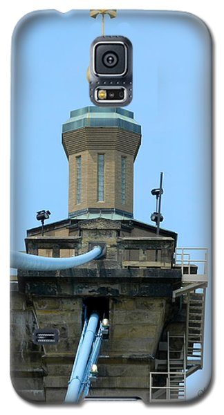 Galaxy S5 Case featuring the photograph Roebling Bridge From Kentucky by Kathy Barney