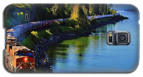 Train Galaxy S5 Case - Rollin' Round The Bend by Benjamin Yeager