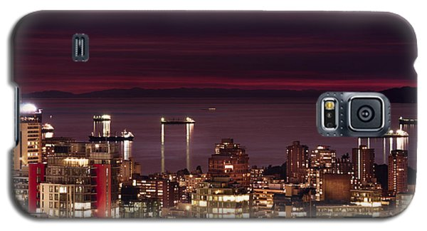 Galaxy S5 Case featuring the photograph Romantic English Bay Mdcci by Amyn Nasser