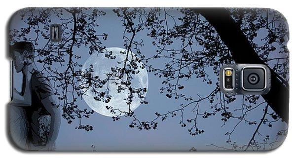 Galaxy S5 Case featuring the photograph Romantic Moon 2  by Angel Jesus De la Fuente