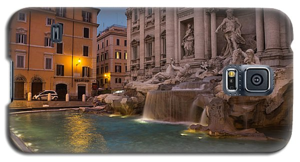Rome's Fabulous Fountains - Trevi Fountain At Dawn Galaxy S5 Case
