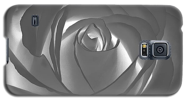 Galaxy S5 Case featuring the photograph Rose by Geraldine DeBoer
