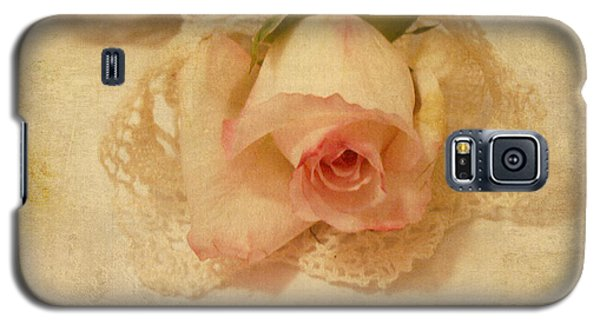 Galaxy S5 Case featuring the photograph Rose With Vintage Feel by Sandra Foster