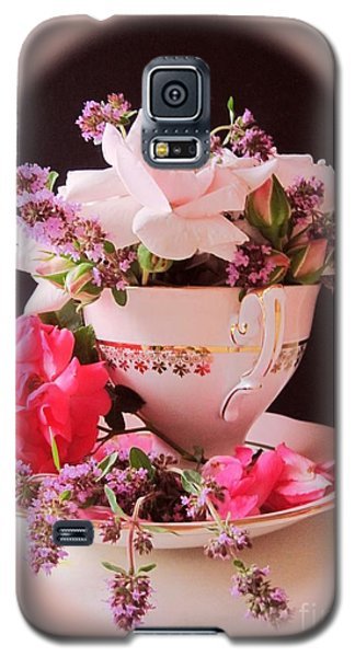 Galaxy S5 Case featuring the photograph Roses In Thyme Teacup Vignette by Margaret Newcomb
