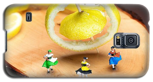 Galaxy S5 Case featuring the photograph Rotating Dancers And Lemon Gyroscope Food Physics by Paul Ge