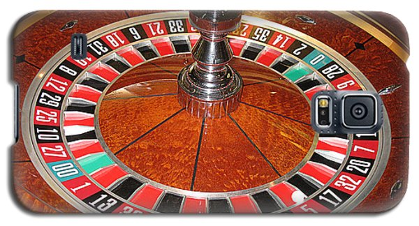 Roulette Wheel And Chips Galaxy S5 Case by Tom Conway