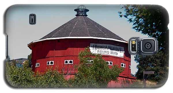 Galaxy S5 Case featuring the photograph Round Barn Named by Helen Haw