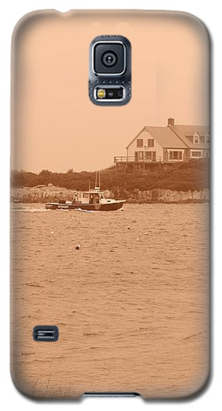 Galaxy S5 Case featuring the photograph Rounding The Point by Jean Goodwin Brooks