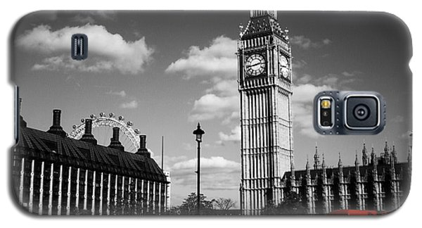 Routemaster Bus On Black And White Background Galaxy S5 Case