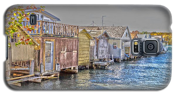 Row Of Boathouses Galaxy S5 Case by William Norton