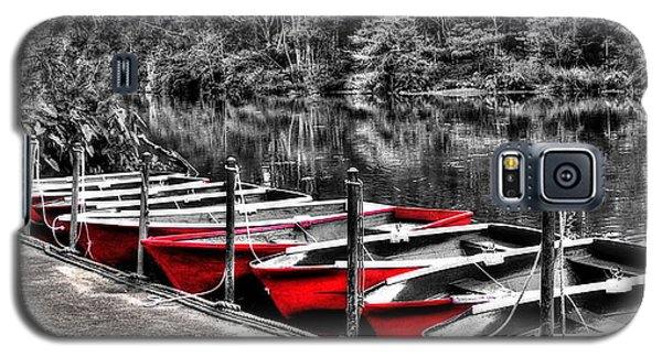 Row Of Red Rowing Boats Galaxy S5 Case by Kaye Menner
