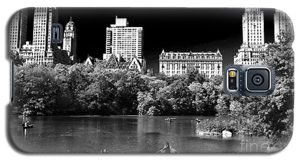 Rowing In Central Park Galaxy S5 Case