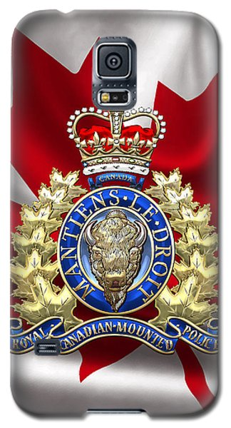 Royal Canadian Mounted Police - Rcmp Badge Over Waving Flag Galaxy S5 Case