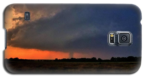 Galaxy S5 Case featuring the photograph Rozel Tornado by Ed Sweeney