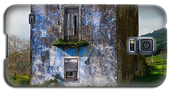 Ruins Of House Painted Blue Galaxy S5 Case