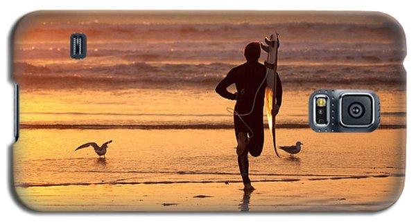Running To Surf Galaxy S5 Case