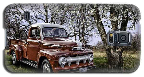 Rural 1952 Ford Pickup Galaxy S5 Case by Betty Denise