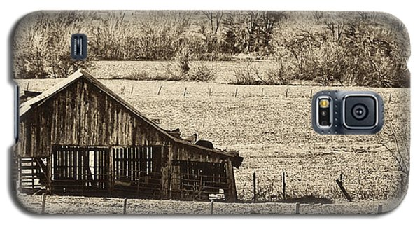 Galaxy S5 Case featuring the photograph Rural Dreams by Greg Jackson