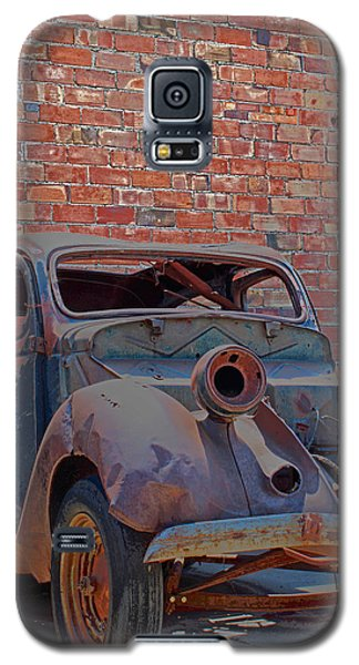 Galaxy S5 Case featuring the photograph Rust In Goodland by Lynn Sprowl