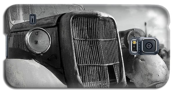 Galaxy S5 Case featuring the photograph Rustic Beauty by Micki Findlay
