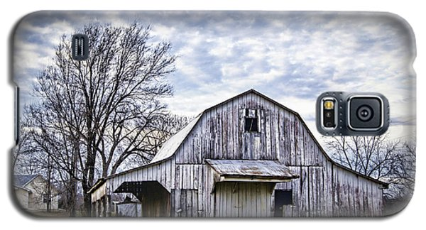 Rustic White Barn Galaxy S5 Case
