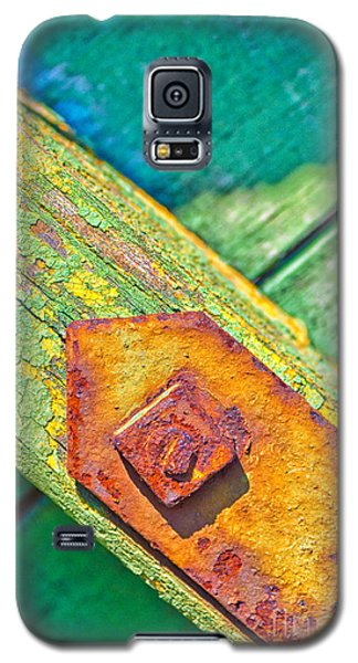Rusty Bolt On Rotten Green Wood Galaxy S5 Case