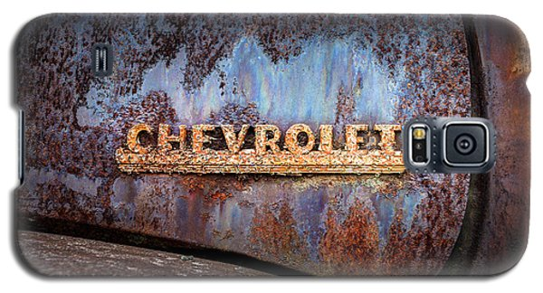 Galaxy S5 Case featuring the photograph Rusty Chevrolet - Nameplate - Old Chevy Sign by Gary Heller