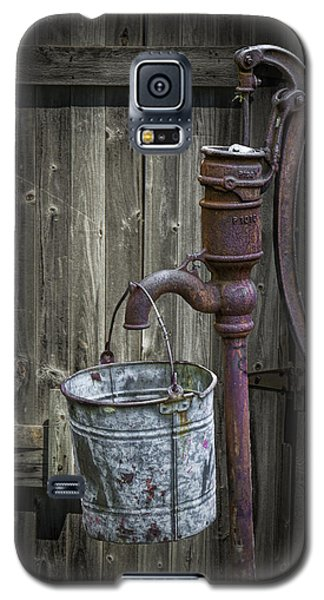 Rusty Hand Water Pump Galaxy S5 Case