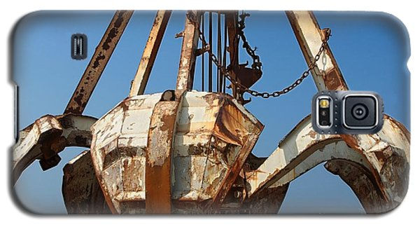 Rusty Obsolete Dredging Equipment Galaxy S5 Case by Yali Shi