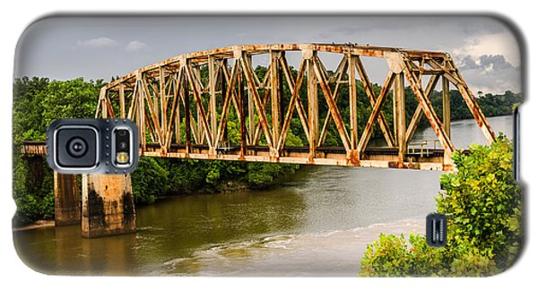 Rusty Old Railroad Bridge Galaxy S5 Case
