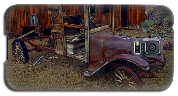 Rusty Old Vintage Car Galaxy S5 Case by R Muirhead Art