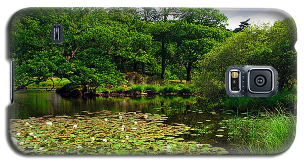 Rydal Water Lilies Galaxy S5 Case by Graham Hawcroft pixsellpix