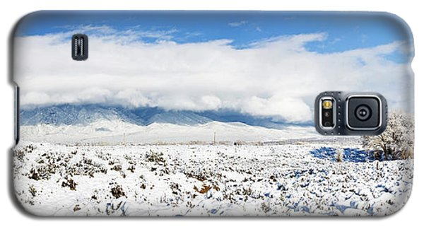 Sangre De Cristo Galaxy S5 Case - Sage Covered With Snow With Taos by Panoramic Images