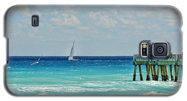 Sailing By The Pier Galaxy S5 Case