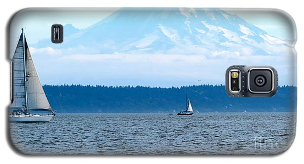 Sailing In Mt. Rainier's Shadow Galaxy S5 Case