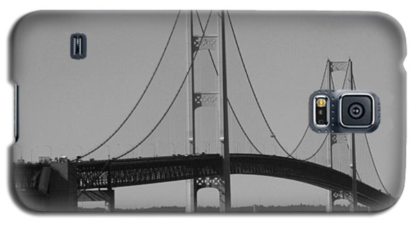 Sailing Under Mighty Mac Black And White Galaxy S5 Case by Bill Woodstock