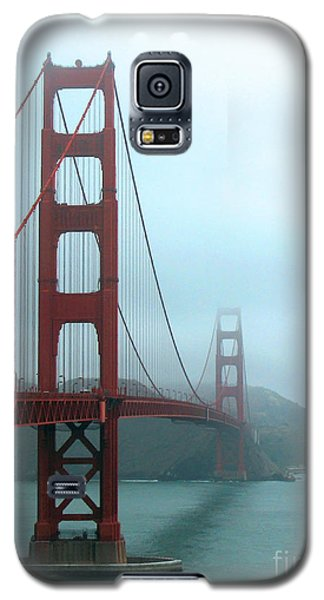 Sailing Under The Golden Gate Bridge Galaxy S5 Case by Connie Fox
