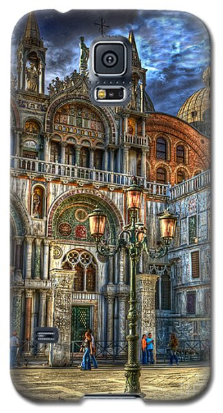 Galaxy S5 Case featuring the photograph Saint Marks Square by Jerry Fornarotto