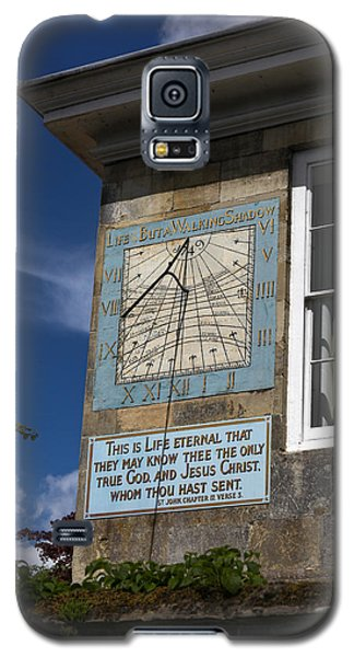 Galaxy S5 Case featuring the photograph Salisbury Sundial by Ross Henton